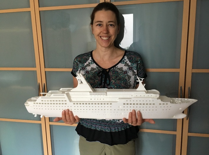 MS Arkona, Hull - Front End (1:200, RC) 3d printed