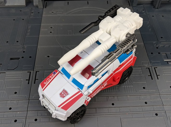 TF Combiner Wars First Aid Car Cannon 3d printed Combined with other weapons in vehicle mode