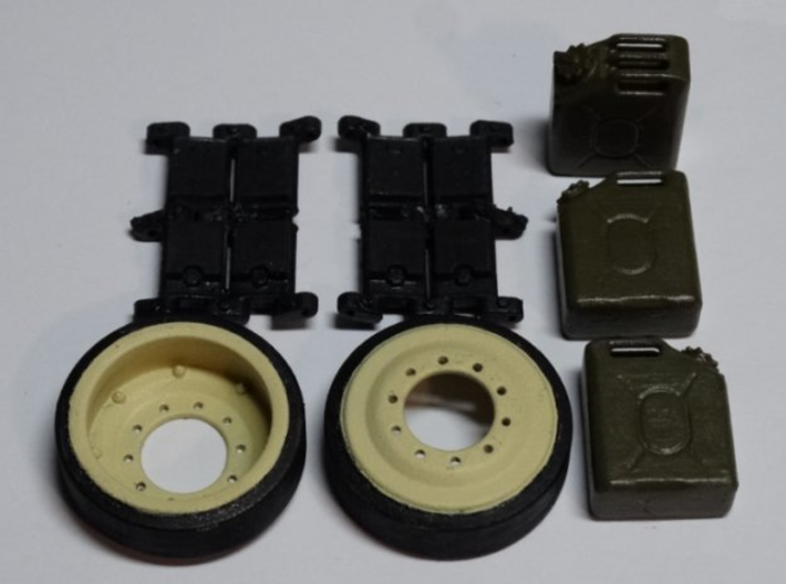 M1A2 - tracks, wheels, cans.  1/16 3d printed Actual photo - painted by the builder.