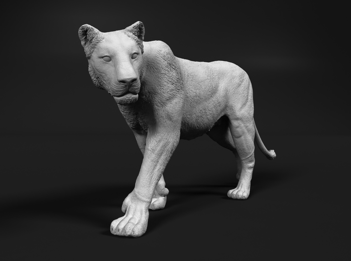 Lion 1:72 Walking Lioness 2 3d printed