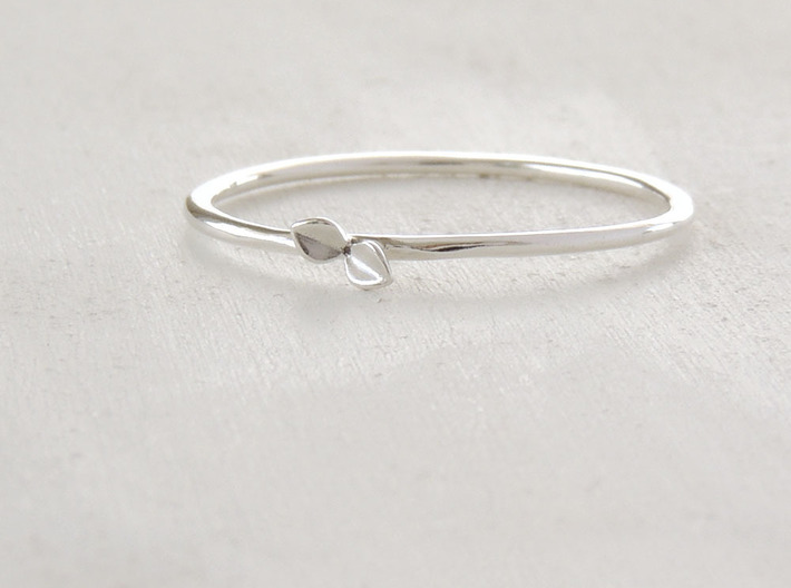 Sprout Ring (Multiple Sizes) 3d printed Sprout Ring in Polished Silver