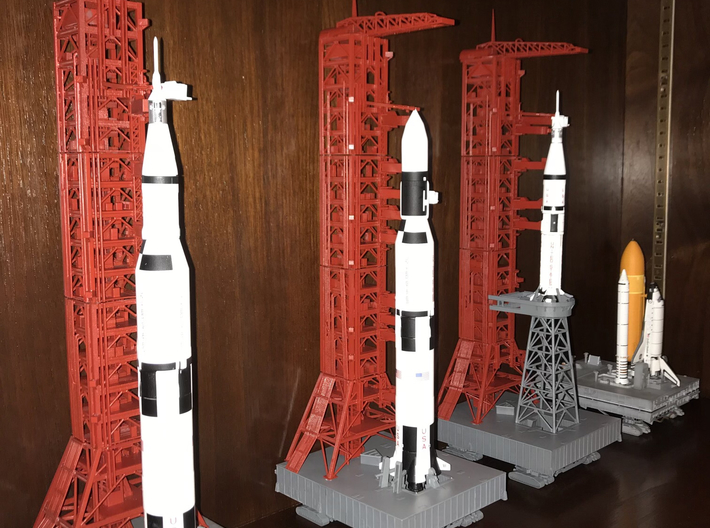1/400 Shuttle MLP & Crawler, launch pad 3d printed My various launch pads, made by a customer who admits he has limited modelling skills. I think he's made a good job of them.