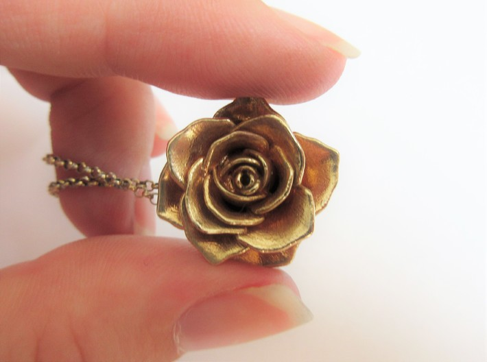 Romantic Rose Necklace 3d printed
