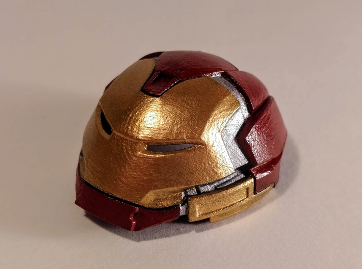 Hulkbuster Head (large/with rotation/std res) 3d printed Medium, smooth fine detail, with rotation