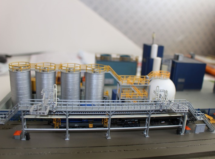 N Scale Tank Car loading Platform 2x2 Type 2 3d printed Loading rack, bridges, fuel cranes, grit boxes etc sold separately