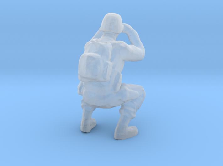 Soldier 15 Ho Scale (Binoculars) 3d printed