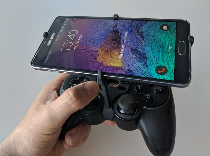Logitech F710 & Samsung Galaxy S10 5G - Over the t 3d printed Over the top - Front view
