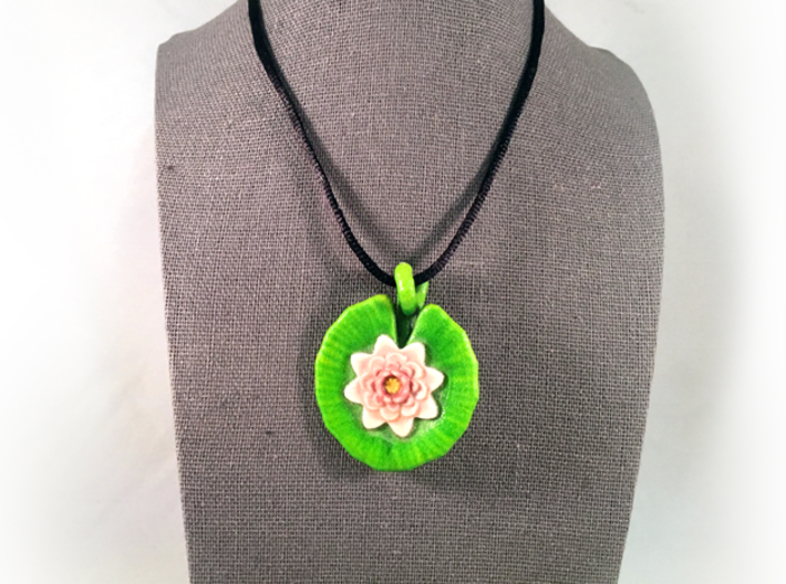Lily Pendant 3d printed Does not include cord or fastenings.