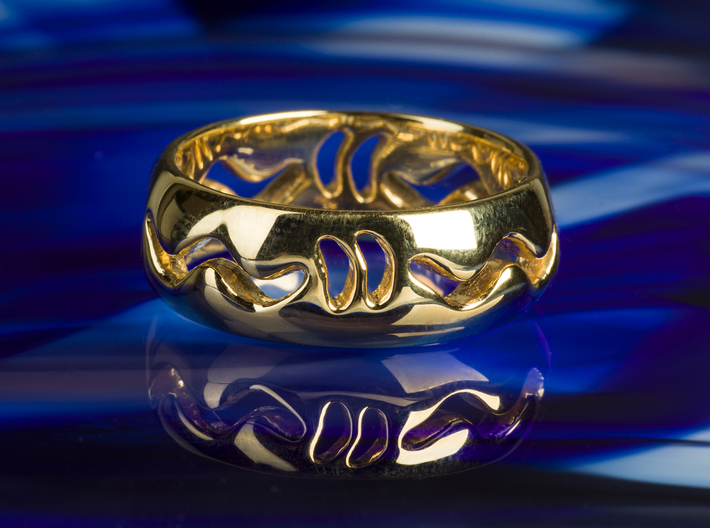Under the surface snake 3d printed Photo of Under the surface in Brass, yellow gold plating.
