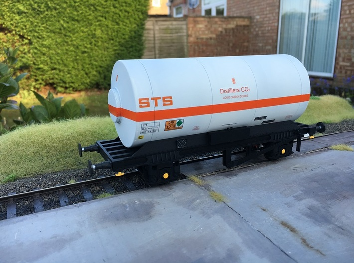 TTA Co2 tank wagon 7mm 3d printed Photo shows wagon chassis with additional parts added.