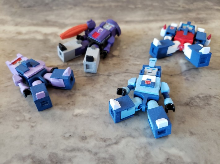 Armor for Terrorcon Kreons (Set 1 of 2) 3d printed Example of how heads, vests, legs are added to Kreons