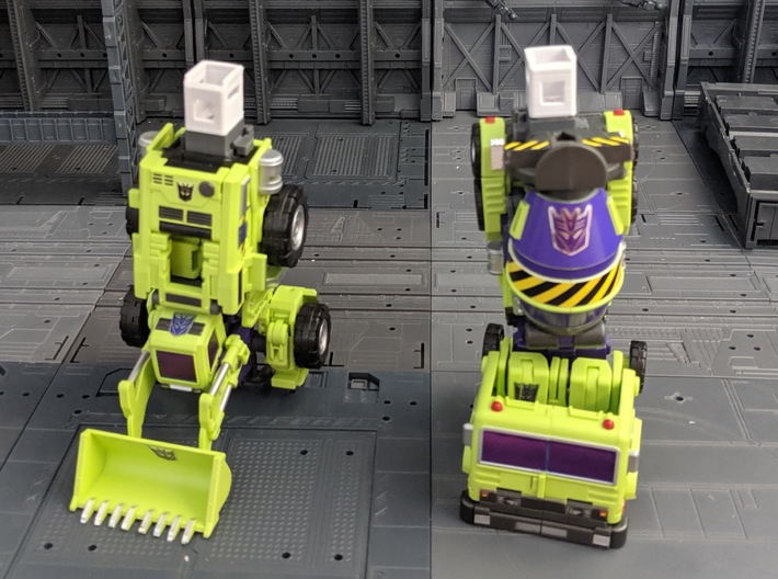 Maketoys Giant leg extension set 3d printed Parts installed on Legs without the body