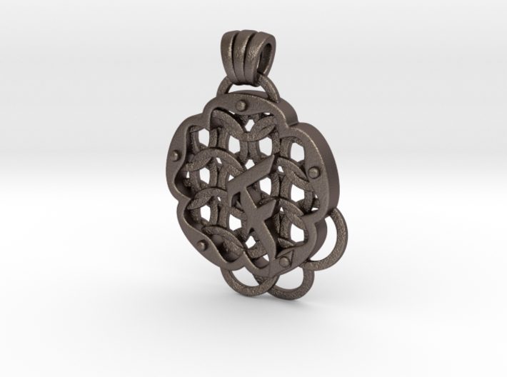 Chain Mail Pendant F 3d printed