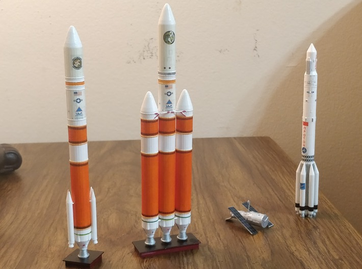 Delta IV Heavy (1:400) 3d printed WIth Decal Applied