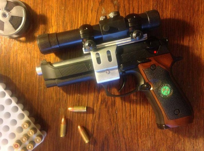 Resident Evil 0: handgun scope parts B 3d printed Complete scope on softair gun