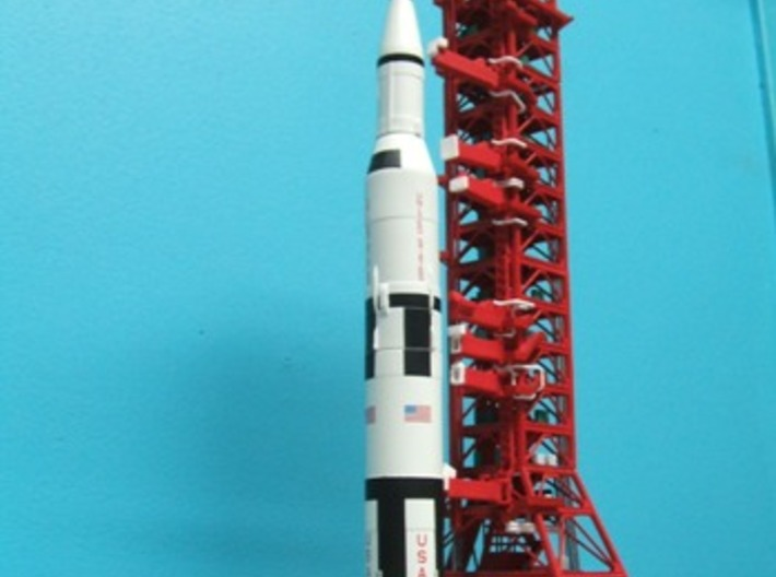 1/400 NASA LUT levels 3-7 (Launch Umbilical Tower) 3d printed LUT with MLP/Crawler & Saturn V.