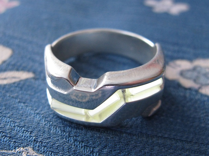 US10 Ring XXI: Tritium (Silver) 3d printed In this picture the phosphorus coating on the tritium vial is being energised by UV light.