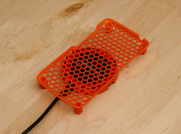 Motorola Droid Turbo - Wireless Qi Charge Cradle 3d printed