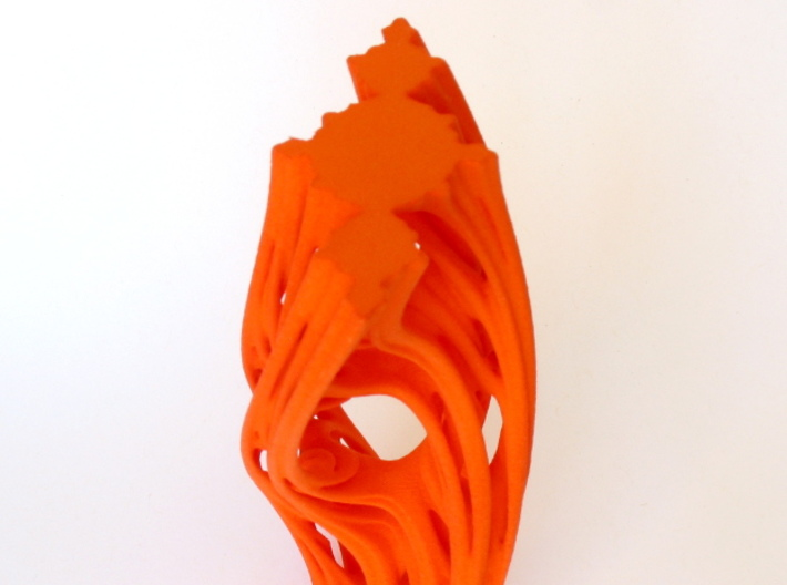 Julias Eye II 3d printed View showing the Julia set shape embedded in each end of the piece