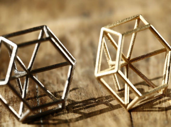 Medium wireframe diamond ring 3d printed nikkel and gold steel