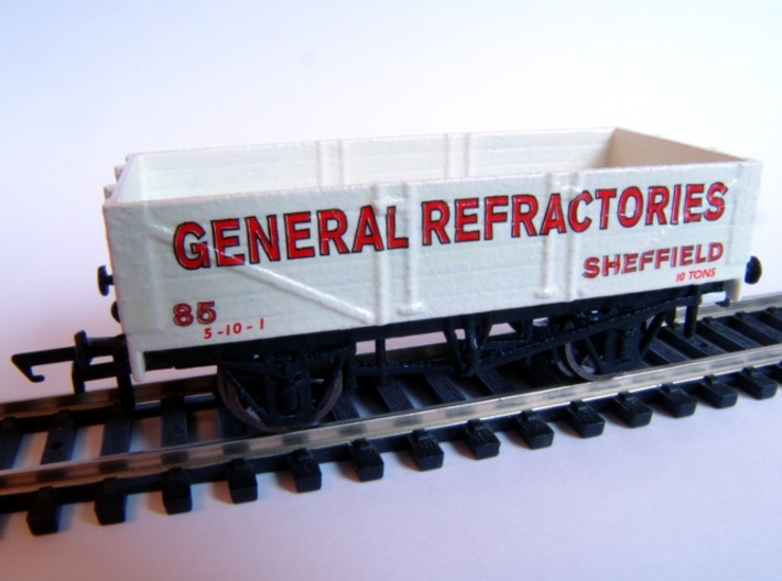 Private Owner Wagon: 18ft, 5 Plank, Side Doors 3d printed Painted and finished with Modelmaster transfers and fitted with Hornby wheels and couplings