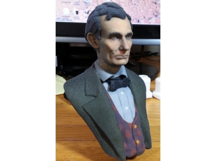 1:6 scale Abe Bust Full Color 3d printed The image is lighter than the actual model.