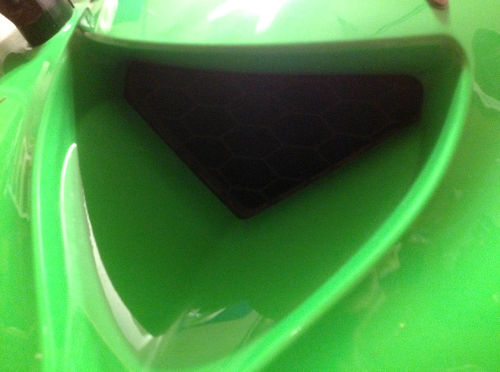 05/06 ZX-6R Ram Air Intake Screen 3d printed Installed, replaces OEM wire mesh