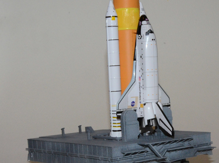 1/400 Shuttle MLP & Crawler, launch pad 3d printed My MPL & Crawler models with a Dragon shuttle fitted.